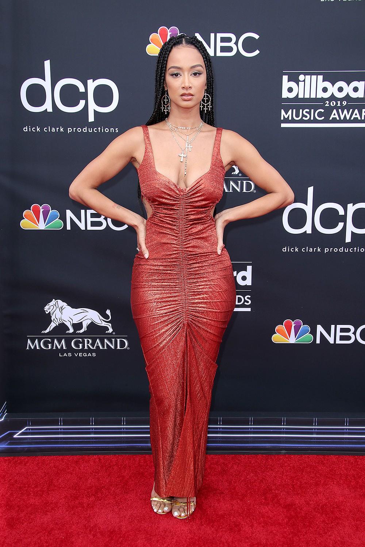 Thảm đỏ Billboard 2019: Taylor Swift sến sẩm bị dàn mỹ nhân ngực khủng át vía, BTS lột xác quyền lực bên quân đoàn sao - Ảnh 36.