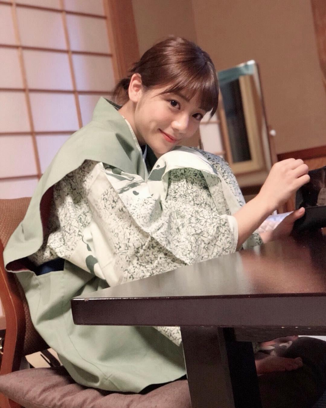 MC Nhật Bản được mệnh danh là nữ thần thời tiết: Cao 1m71, sở hữu nét đẹp khó tìm - Ảnh 3.
