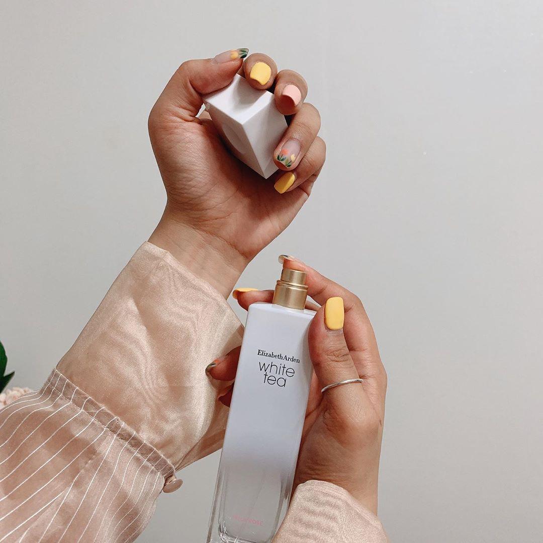 Muốn dùng nước hoa vào ngày nóng mà vẫn ăn điểm thanh lịch, bạn sẽ cần đến những bí kíp này - Ảnh 2.