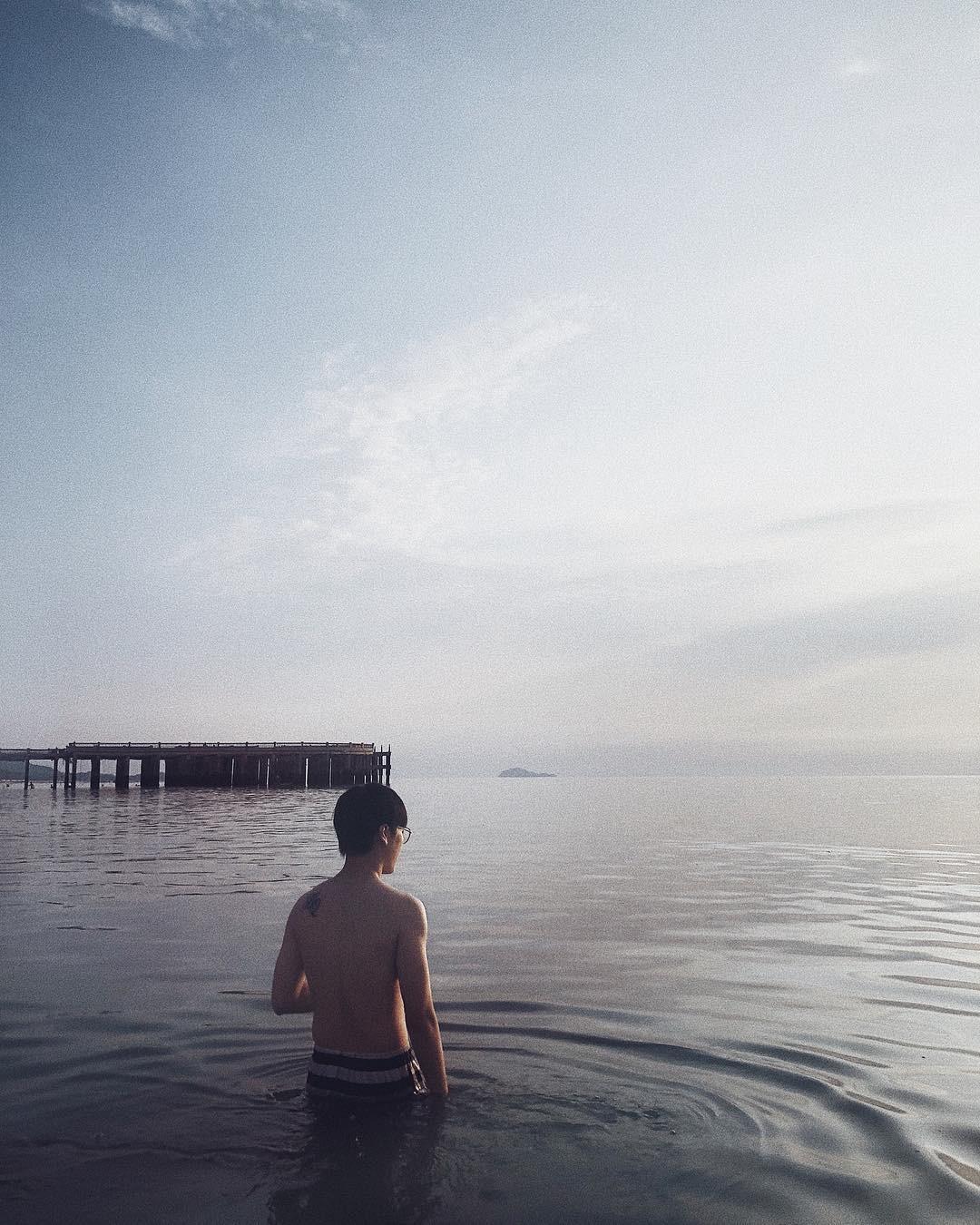 Không thể ngờ ở ngay gần Hà Nội cũng có khu cầu cảng trắng muốt mang hơi thở châu Âu thế này - Ảnh 16.