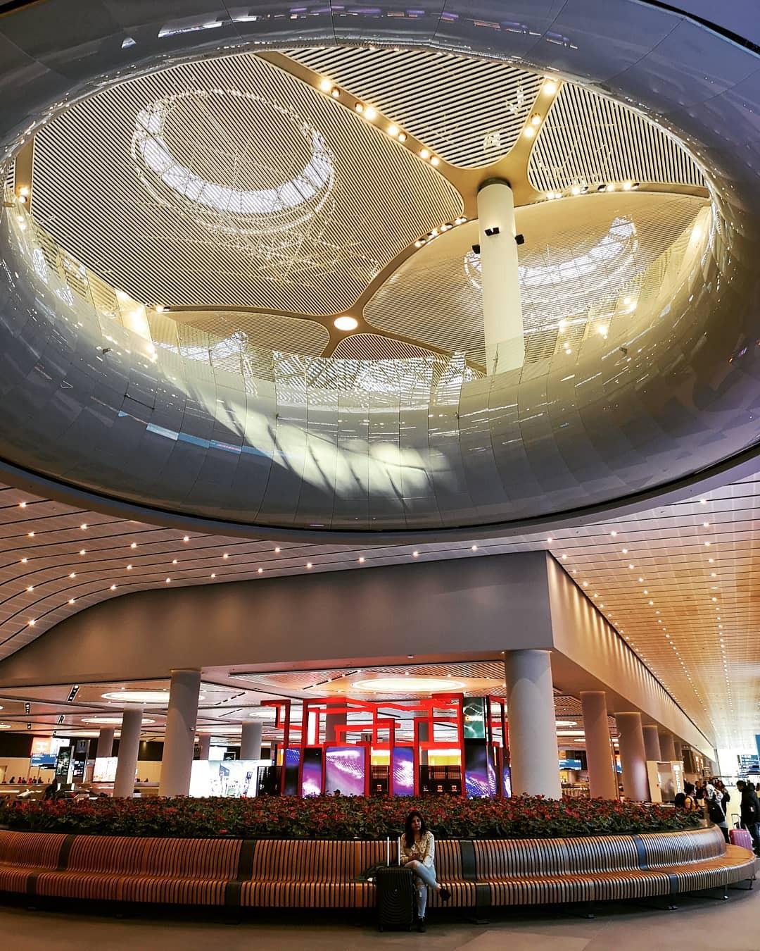 """Trầm trồ trước sân bay """"chịu chơi"""" nhất thế giới khi đầu tư hẳn cả phòng chờ sang chảnh chẳng kém khách sạn 5 sao - Ảnh 7."""