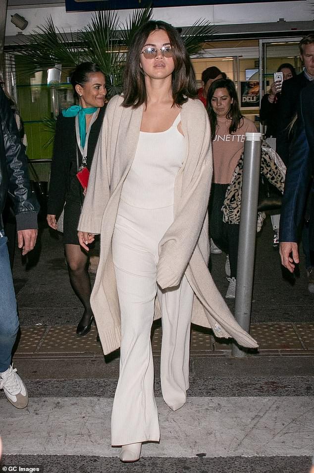 Tự tin như Selena Gomez: Khoe mặt mộc không tỳ vết, nhưng thần sắc của cô lại khiến fan vô cùng lo lắng - Ảnh 5.