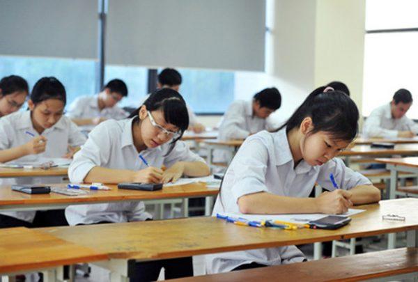 Ảnh 2: Bài kiểm tra quên không ghi tên - We25.vn