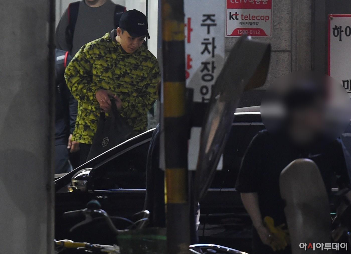 Sốc: Seungri vui vẻ đi tập gym sau khi tòa án hủy lệnh bắt, công chúng Hàn Quốc phẫn nộ và fan Việt vẫn bênh - Ảnh 5.