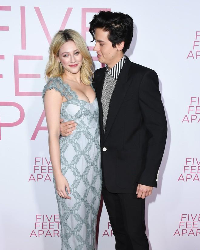 6 cặp đôi 9X đáng ngưỡng mộ nhất Hollywood: Mối tình của Justin hay Miley không xúc động bằng sao nhí Zack & Cody - Ảnh 19.