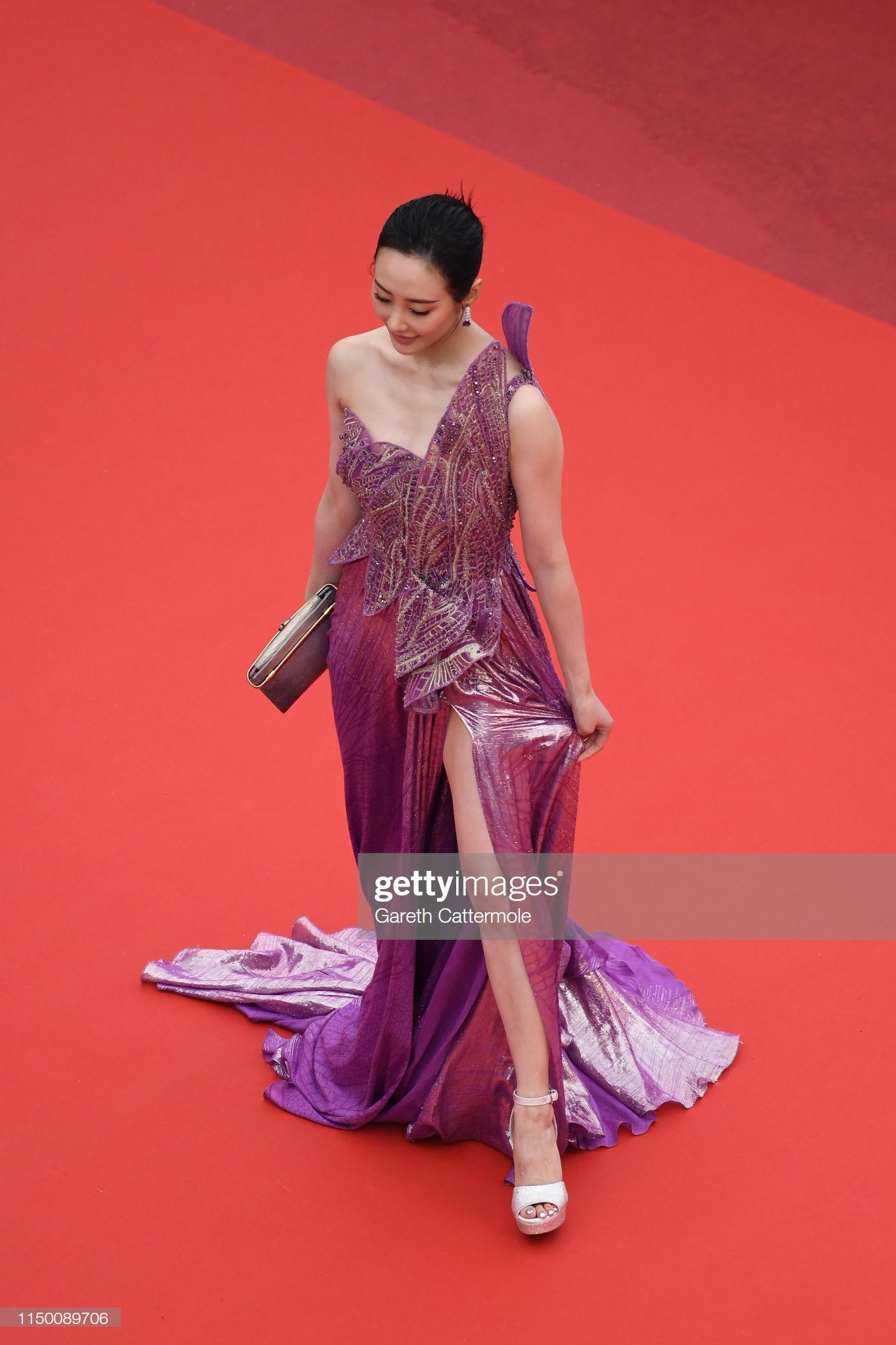 Thảm đỏ Cannes nhường spotlight cho Nick Jonas cung phụng Hoa hậu, Sui He gây sốc như không mặc gì - Ảnh 22.