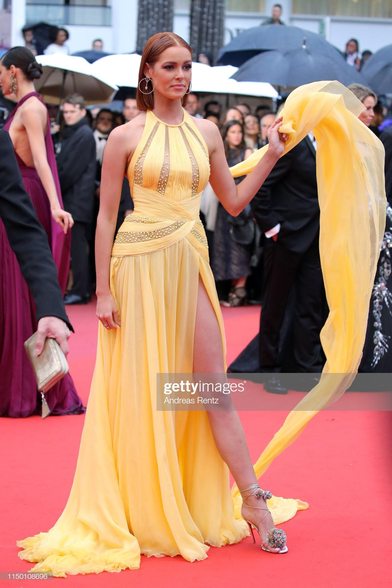 Thảm đỏ Cannes nhường spotlight cho Nick Jonas cung phụng Hoa hậu, Sui He gây sốc như không mặc gì - Ảnh 31.