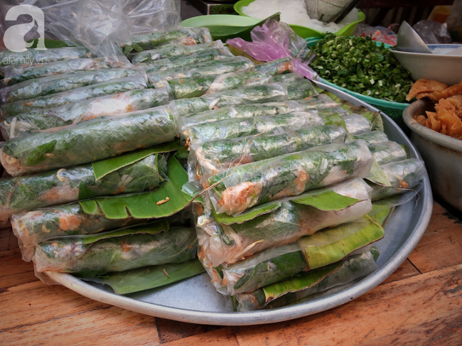 Quán ăn nhỏ hơn 40 năm tuổi góp phần làm nên văn hóa ẩm thực hẻm Sài Gòn: 7 ngày bán 7 món khác nhau, tuyệt hảo nhất chính là món chay - Ảnh 12.