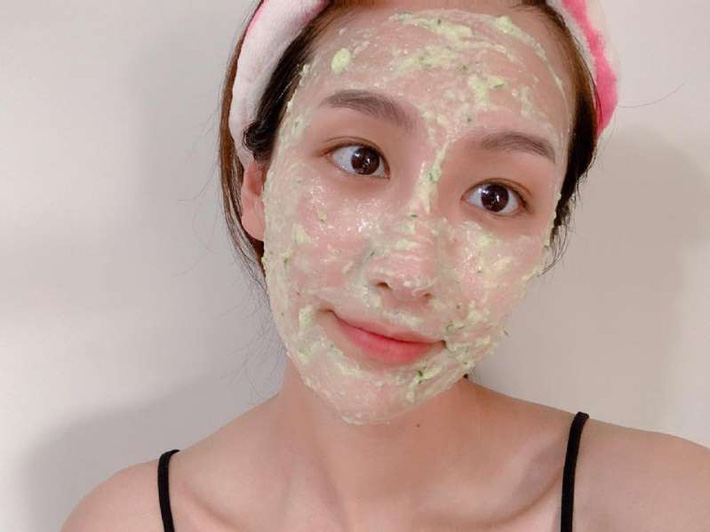 Học nàng Beauty blogger này cách làm mặt nạ tự nhiên: Đơn giản, rẻ tiền mà còn giúp giải nhiệt làn da mùa hè - Ảnh 6.