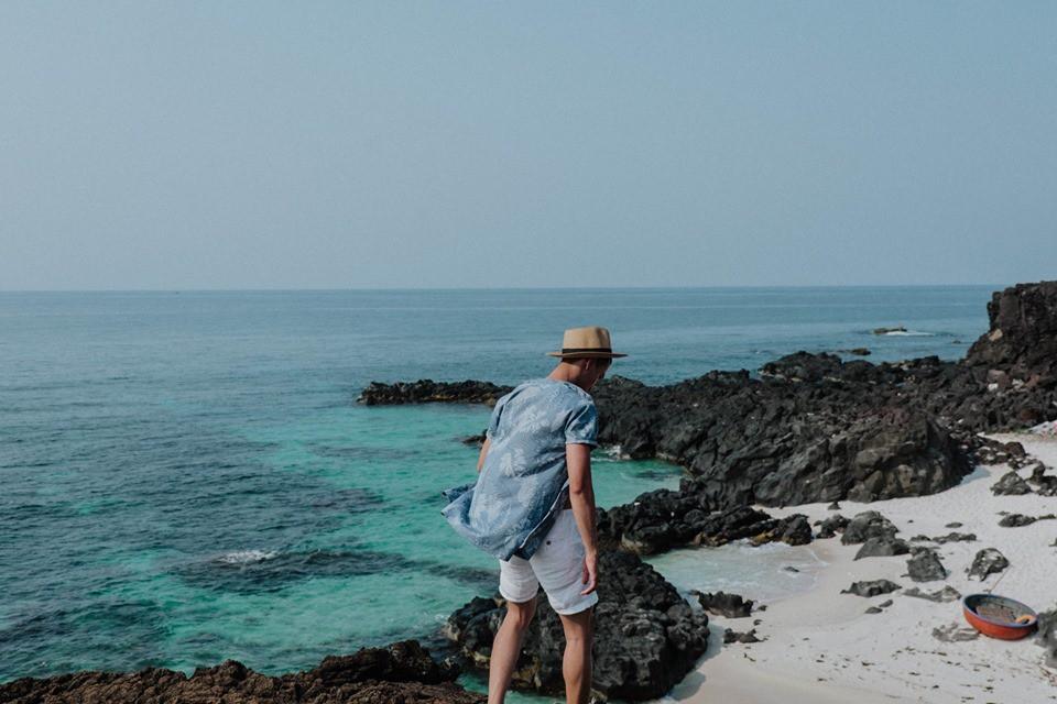 Cứ tưởng chụp ở nước ngoài, ai ngờ vùng biển trong vắt này lại nằm ngay ở Việt Nam mà lại còn rất dễ đi! - Ảnh 1.