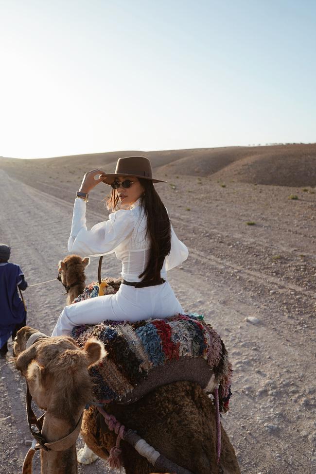 """Richkid Thảo Nhi Lê """"bội thu"""" ảnh đẹp sau chuyến đi đến Morocco - điểm đến kỳ lạ nhất thế giới: Ai bảo châu Phi chỉ có nắng và gió! - Ảnh 9."""