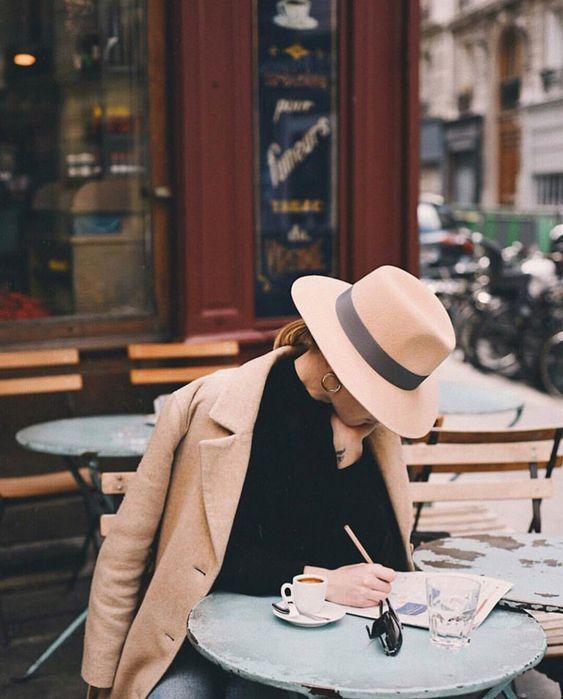 Weekday Wanderlust: Touristy Shots of Paris that Are Still Chic