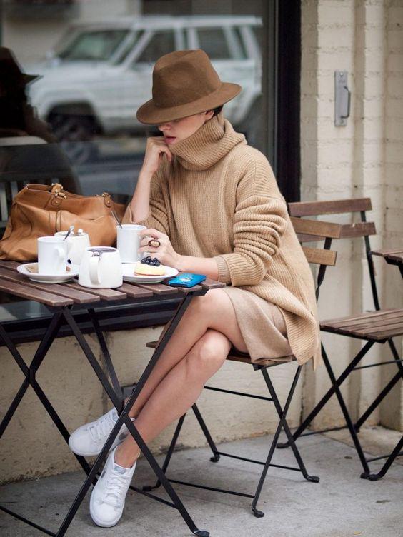 mix đồ nữ áo len oversized bên ngoài hoặc quần legging