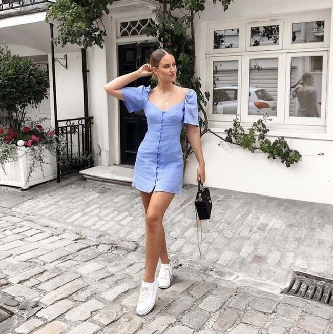 6 kiểu váy chị em nhất định phải sắm trong hè này, đặc biệt là với những nàng bánh bèo thực thụ - Ảnh 2.