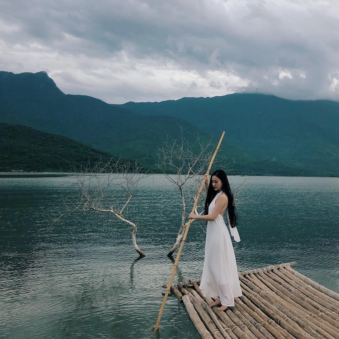 Khoan về quê nuôi cá và trồng rau, nếu mệt quá hãy... đến Huế để tâm hồn phiêu dạt như áng mây bên trời - Ảnh 2.