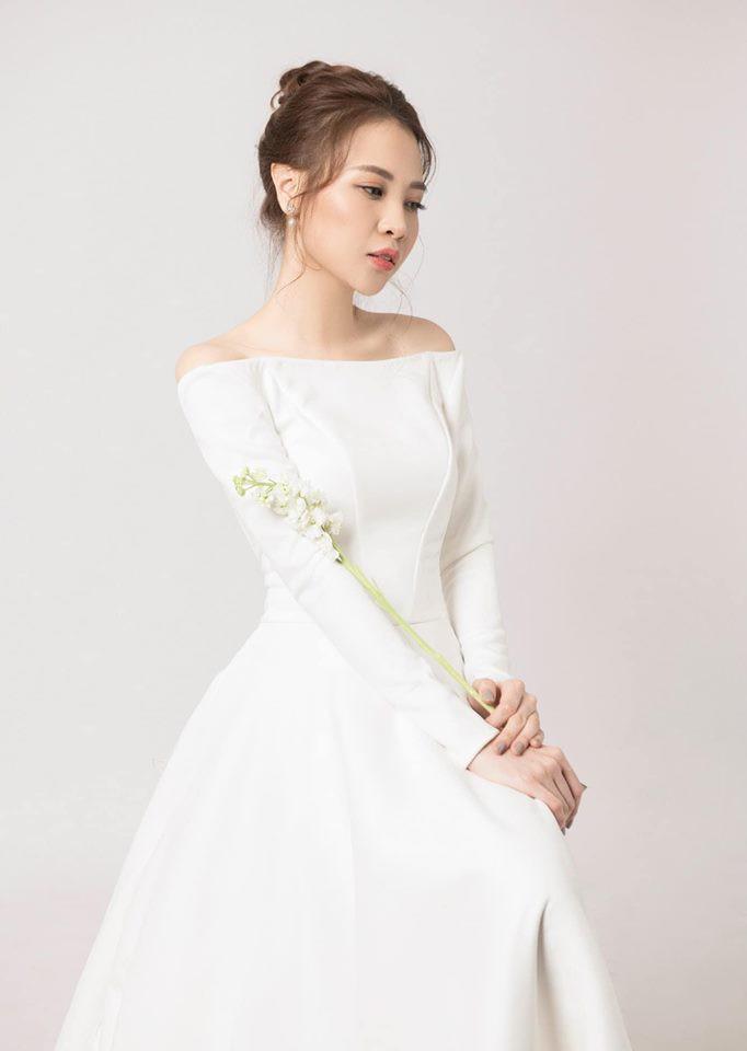 Đàm Thu Trang nhử fan với hình ảnh cô dâu xinh đẹp, NTK tiết lộ giá trị của thiết kế váy khiến ai cũng bất ngờ - Ảnh 5.