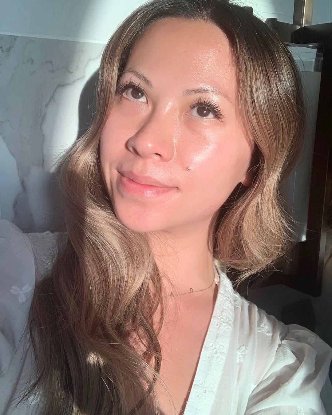 Làn da căng bóng chòi lòa trong truyền thuyết hoàn toàn là khả thi nếu bạn học theo 4 bí kíp này của chuyên gia makeup gốc Việt - Ảnh 4.