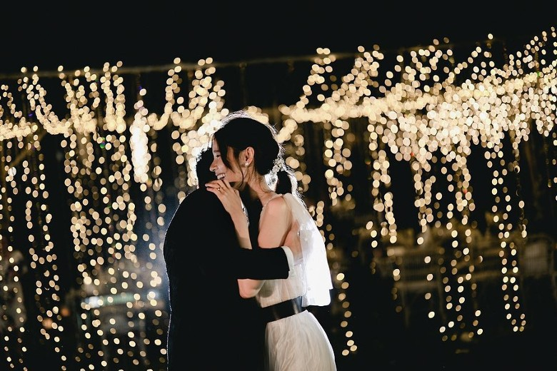 Đám cưới cổ tích bất ngờ của cặp đôi mỹ nam Cung Tâm Kế và nữ diễn viên Mái Ấm Gia Đình sau 5 năm bên nhau - Ảnh 6.