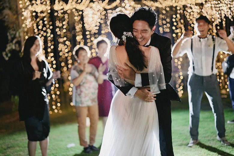 Đám cưới cổ tích bất ngờ của cặp đôi mỹ nam Cung Tâm Kế và nữ diễn viên Mái Ấm Gia Đình sau 5 năm bên nhau - Ảnh 8.