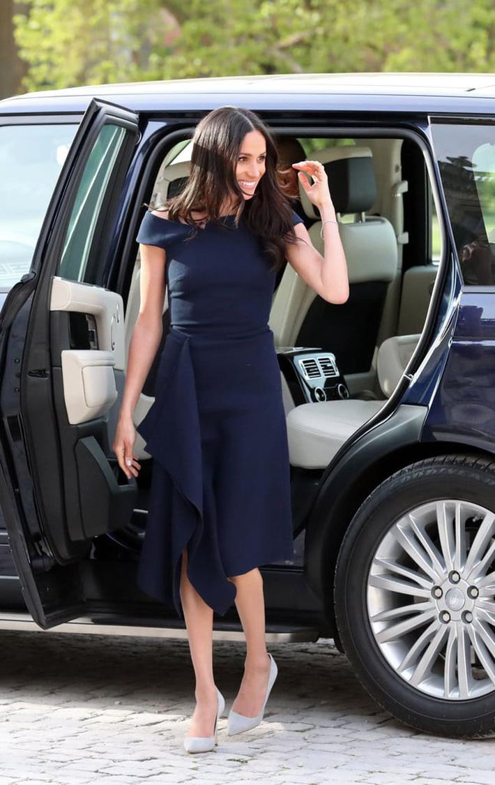 Bà Melania Trump đang cố học theo phong cách Hoàng gia của công nương Kate và Meghan khi tới Nhật Bản? - Ảnh 8.