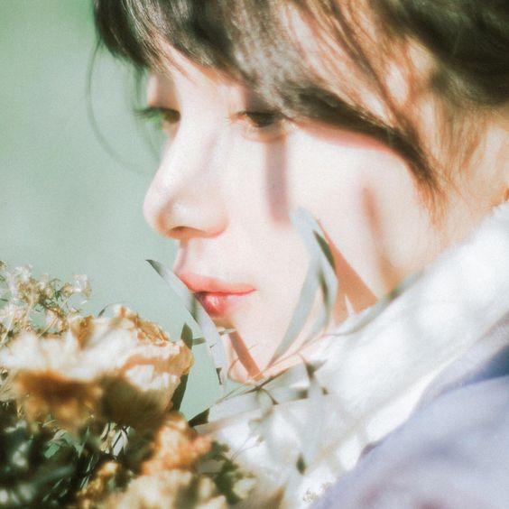 """Hana on Instagram: """". . 未来はずっと先だよ 僕にも分からない  model: ( @marematsuura )  私の名前、漢字で「葉菜」と書きます。 何故この漢字にしたのか 幼い頃両親に聞いた事があります。  葉菜ってどちらも意味的に雑草や草を意味します。…"""""""