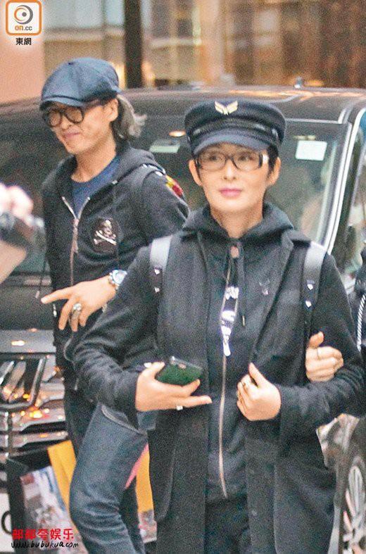 Mỹ nhân tuyệt sắc phim Châu Tinh Trì: Thời trẻ chuyên cặp đại gia, U60 hẹn hò bạn trai kém 10 tuổi - Ảnh 8.