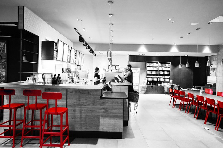 7 mánh khóe tâm lý Starbucks luôn dùng để khiến bạn mê mệt và chi nhiều tiền hơn - Ảnh 2.