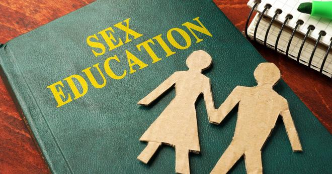 Đến phù thuỷ ngoan hiền Emma Watson còn đường hoàng học về tình dục qua mạng thì hội con gái còn ngại gì - Ảnh 3.