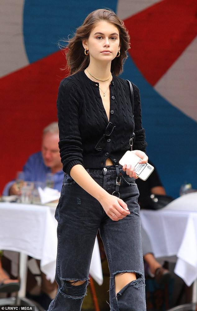 Kendall Jenner và con gái Cindy Crawford đọ sắc: Body và thần thái của 2 siêu mẫu thế hệ mới quá đỉnh, ai nhỉnh hơn? - Ảnh 6.