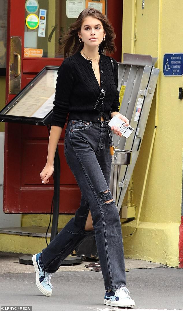 Kendall Jenner và con gái Cindy Crawford đọ sắc: Body và thần thái của 2 siêu mẫu thế hệ mới quá đỉnh, ai nhỉnh hơn? - Ảnh 5.