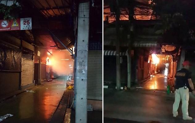 Cháy lớn tại khu chợ trời lớn nhất thế giới Chatuchak - Ảnh 3.