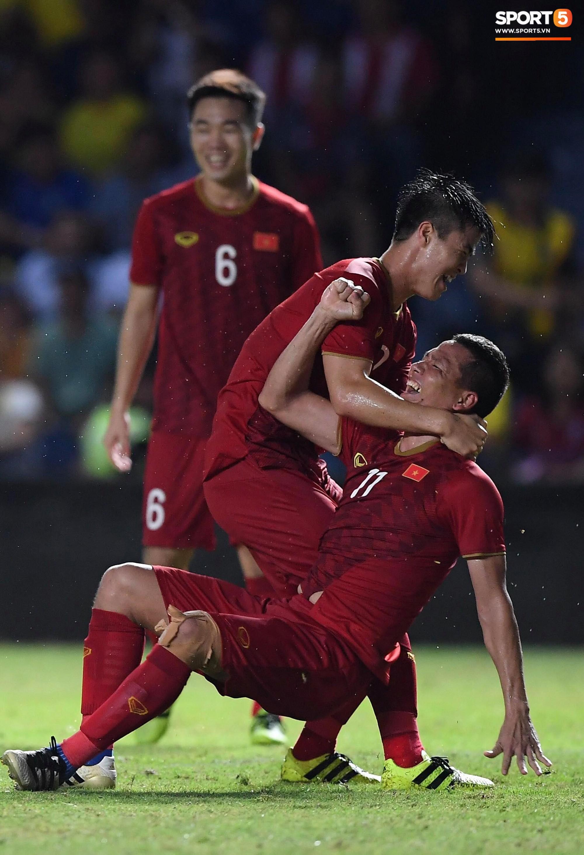 Dân mạng Việt hả hê trước bàn thắng tối thiểu của Anh Đức giúp đánh bại Thái Lan: Này thì chơi xấu! - Ảnh 3.