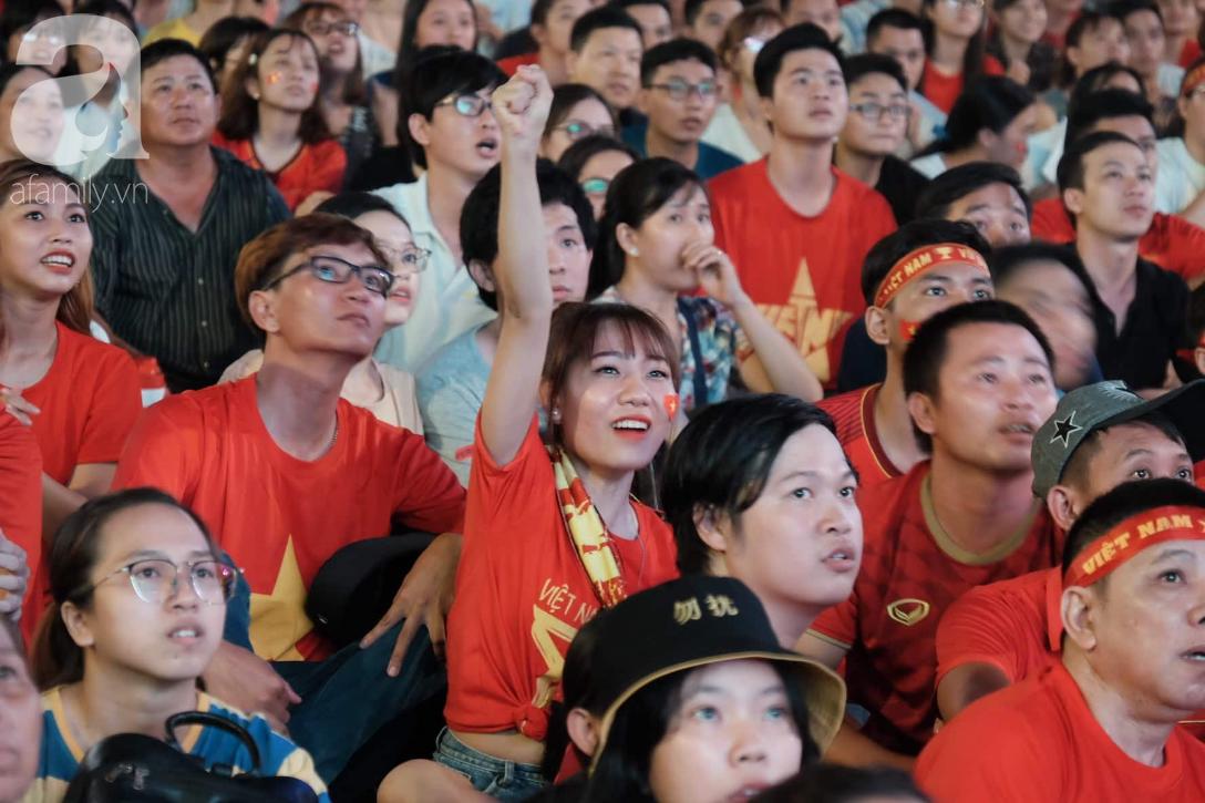 Dân mạng Việt hả hê trước bàn thắng tối thiểu của Anh Đức giúp đánh bại Thái Lan: Này thì chơi xấu! - Ảnh 1.