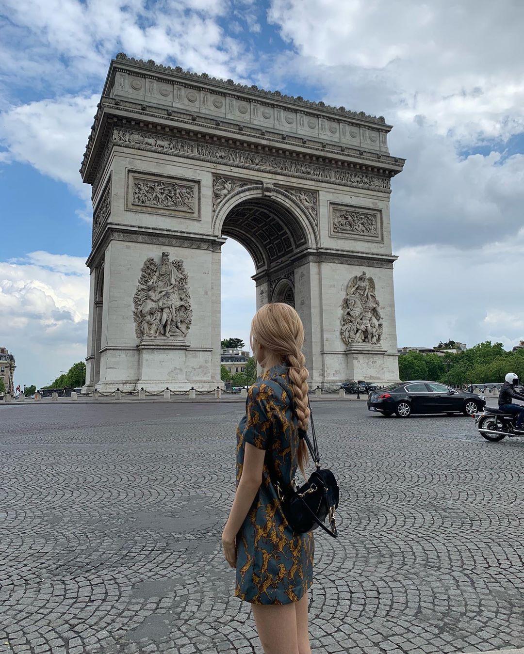 Chuyến đi châu Âu hơn 10 ngày của BLACKPINK chính là lịch trình hoàn hảo cho ai muốn khám phá những địa danh vừa lạ vừa quen ở trời Tây - Ảnh 23.