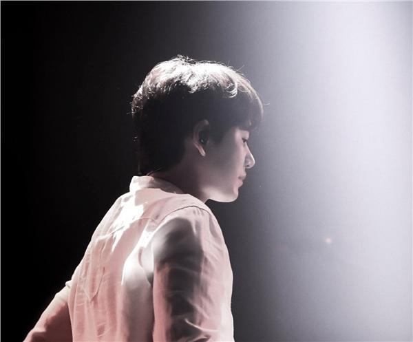 Nổi tiếng là một con người cứng cỏi, kiên cường, nhưng ít ai biết được Kyuhyun đã âm thầm rơi nước mắt tại buổi gặp mặt fan đầu tiên kể từ sau khi trở về từ quân ngũ. Ở thời điểm đó, các fan ngỡ rằng giọt nước mắt đó là giọt nước mắt của vui mừng và hạnh phúc khi được hoạt động âm nhạc trở lại.