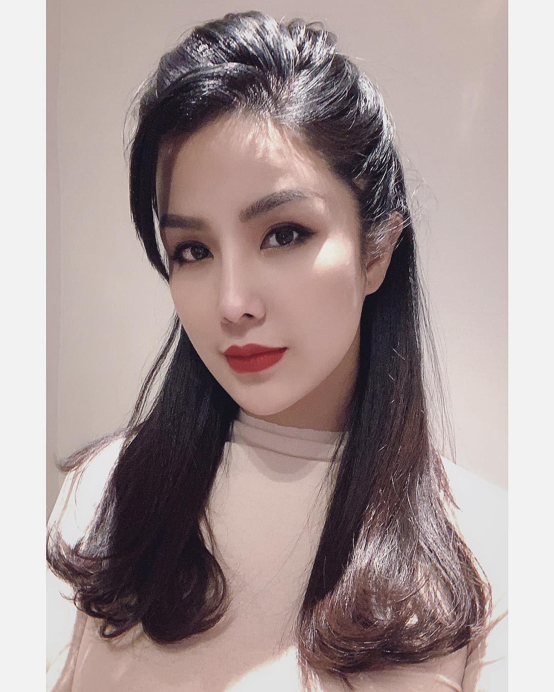 Diệp Lâm Anh: Bầu bí lần 2 mà da đẹp mặt xinh, còn tự tin khoe mặt mộc để review mỹ phẩm và hướng dẫn skincare - Ảnh 1.