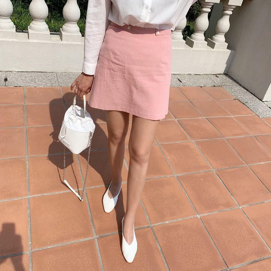 Tạm quên giày cao gót đi, dáng bạn vẫn sẽ cao ráo và phong cách thì đậm chất công sở với 4 kiểu giày bệt này - Ảnh 4.