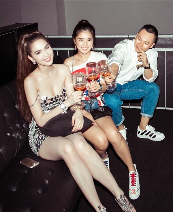 Đêm tiệc còn có sự tham gia của diễn viên - ca sĩ Hoàng Yến Chibi