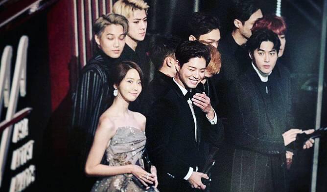 Choáng với quy mô 3 mùa Asia Artist Awards: Bê cả Kbiz lên thảm đỏ, tập hợp khoảnh khắc đắt giá nhưng vẫn tồn tại 1 vấn đề - Ảnh 25.