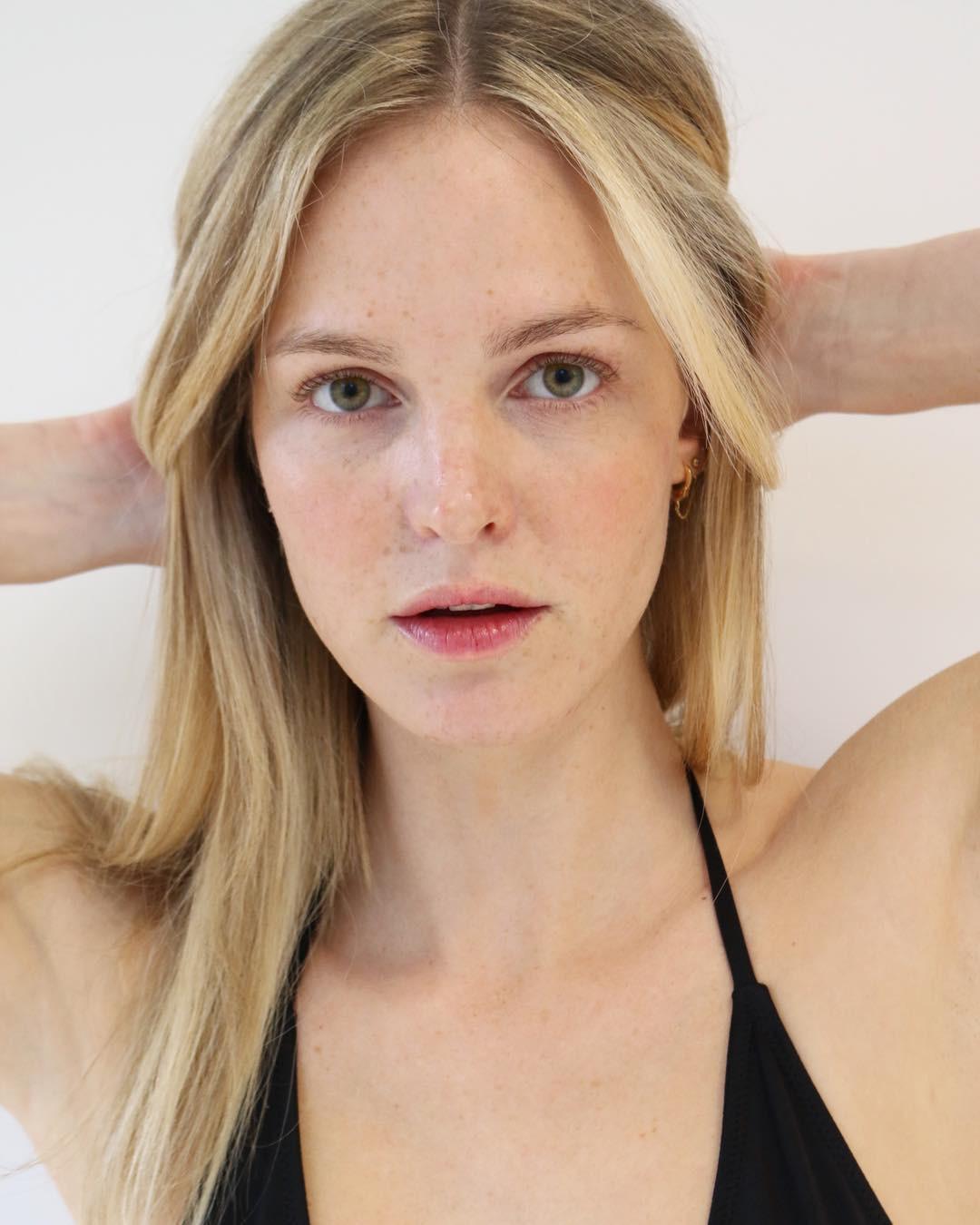 Đừng 'ngó lơ' 6 tips chăm da sau của các người mẫu bởi rất có thể, bạn sẽ tìm thấy chìa khóa nâng cấp nhan sắc 2