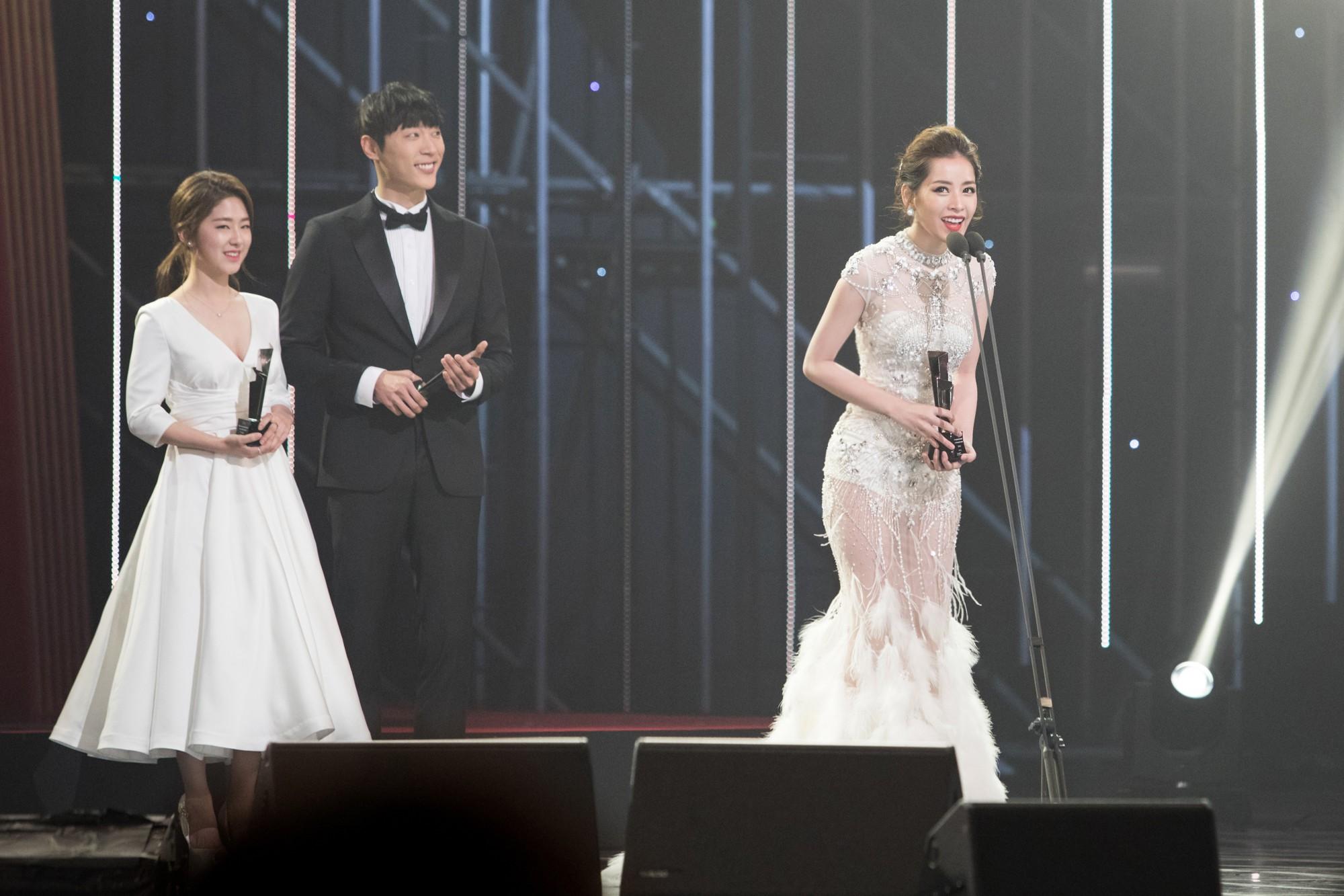 Choáng với quy mô 3 mùa Asia Artist Awards: Bê cả Kbiz lên thảm đỏ, tập hợp khoảnh khắc đắt giá nhưng vẫn tồn tại 1 vấn đề - Ảnh 30.