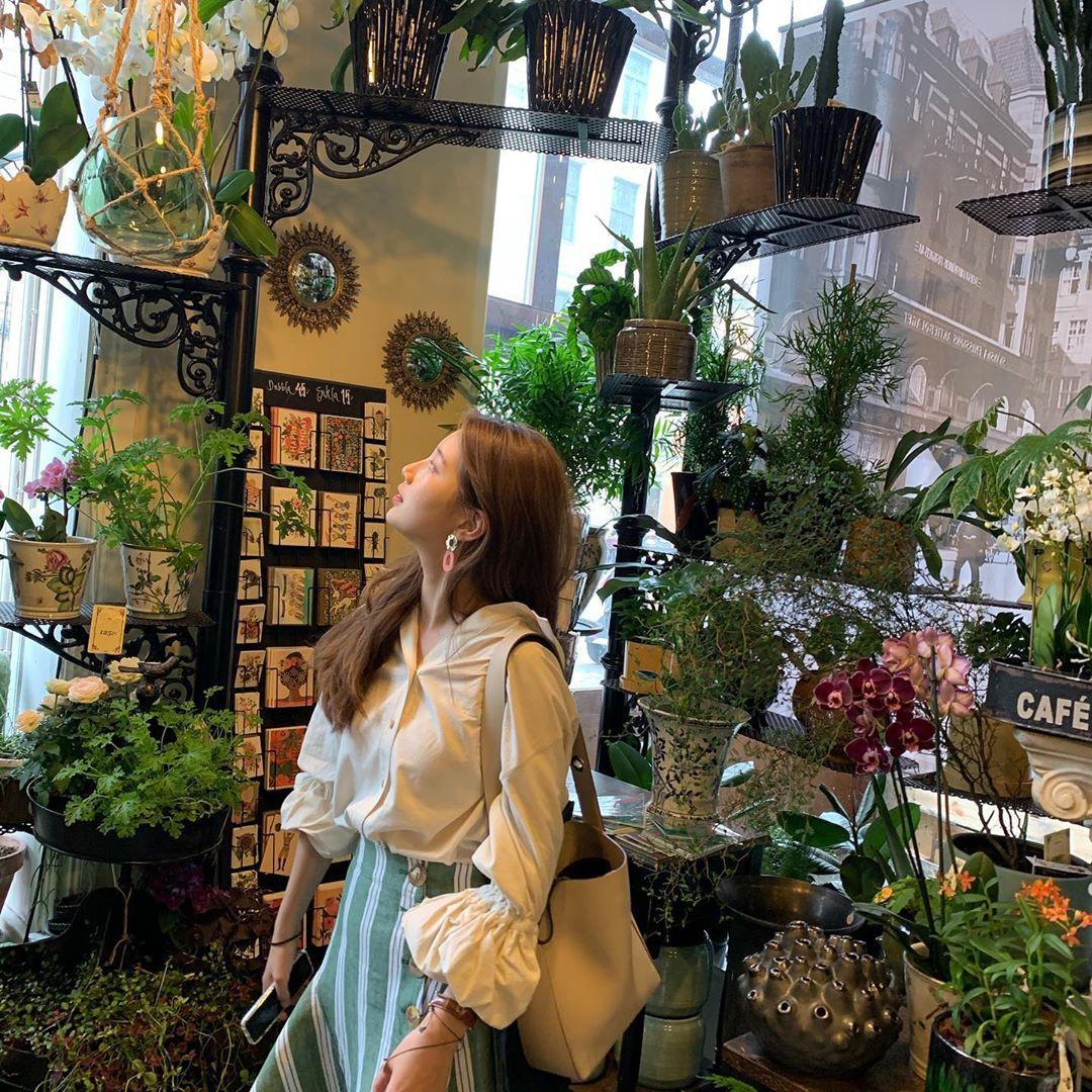 Chỉ có thể là Suzy: Đi du lịch châu Âu mà chụp hình... nhìn như ở Ba Vì, may là chị vẫn đẹp nên fan tha thứ hết! - Ảnh 19.