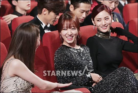 Choáng với quy mô 3 mùa Asia Artist Awards: Bê cả Kbiz lên thảm đỏ, tập hợp khoảnh khắc đắt giá nhưng vẫn tồn tại 1 vấn đề - Ảnh 26.