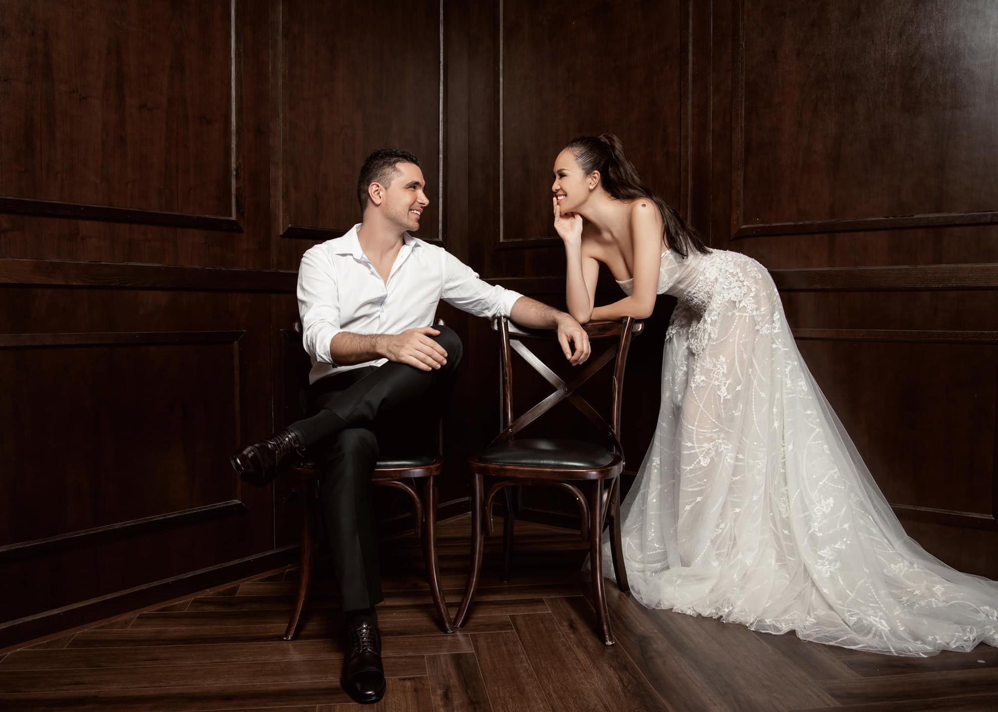 """Gấp rút chụp hình cưới, lộ vòng 2 to bất thường, Mai Phương bị nghi """"cưới chạy bầu"""" và đây là câu trả lời của cô - Ảnh 1."""