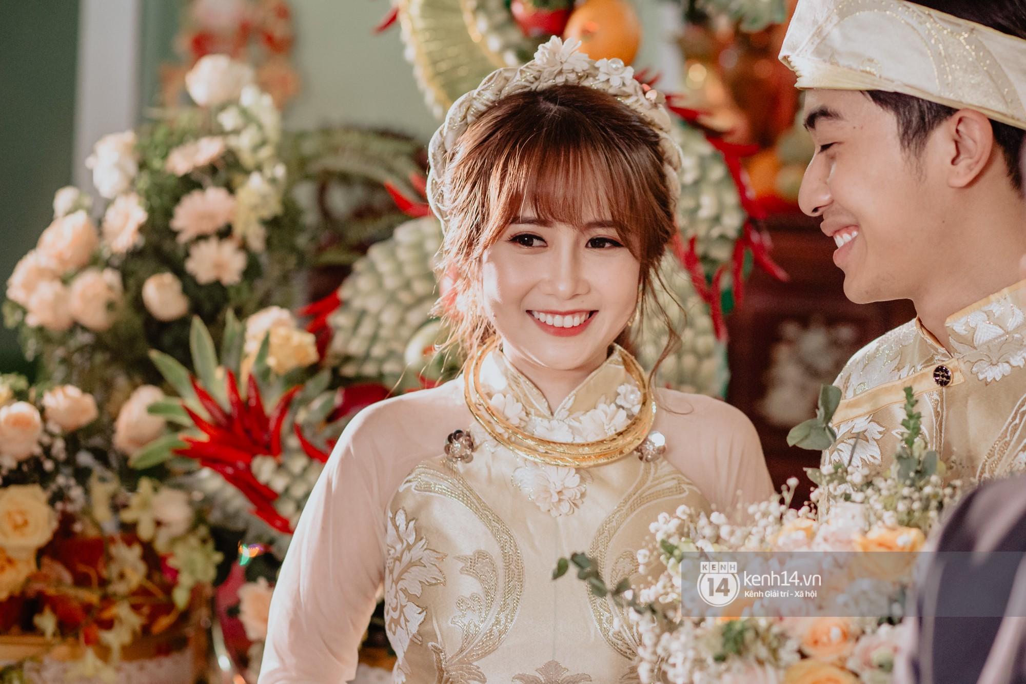 Xem hết một lượt những khoảnh khắc đẹp lịm tim của Cris Phan và Mai Quỳnh Anh: Cái kết đẹp của mối tình Chị ơi, anh yêu em! - Ảnh 2.