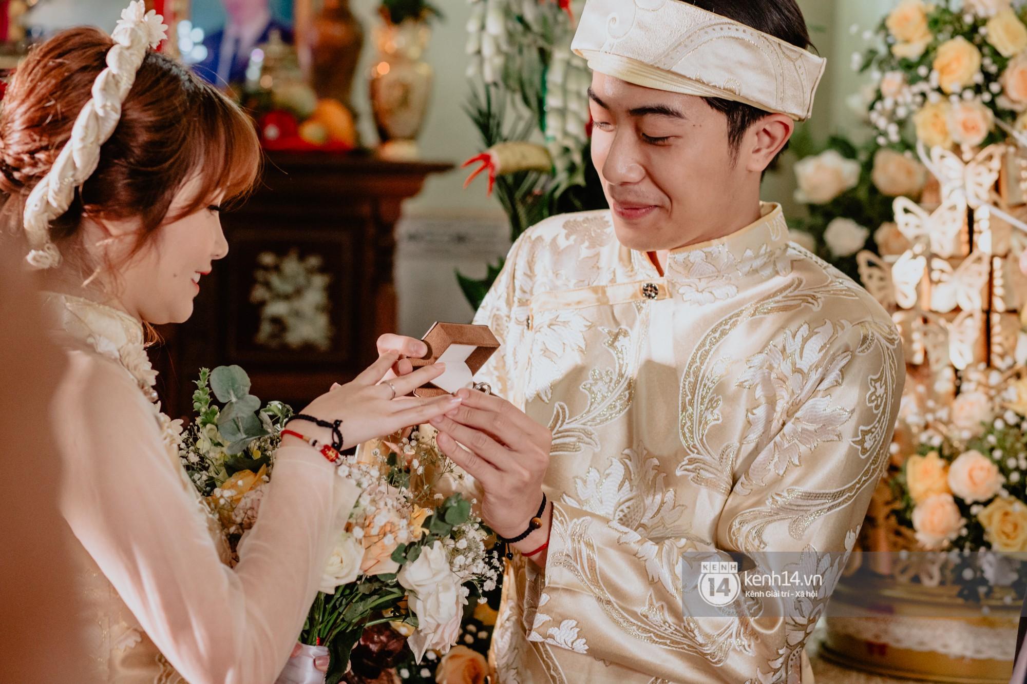 Xem hết một lượt những khoảnh khắc đẹp lịm tim của Cris Phan và Mai Quỳnh Anh: Cái kết đẹp của mối tình Chị ơi, anh yêu em! - Ảnh 3.
