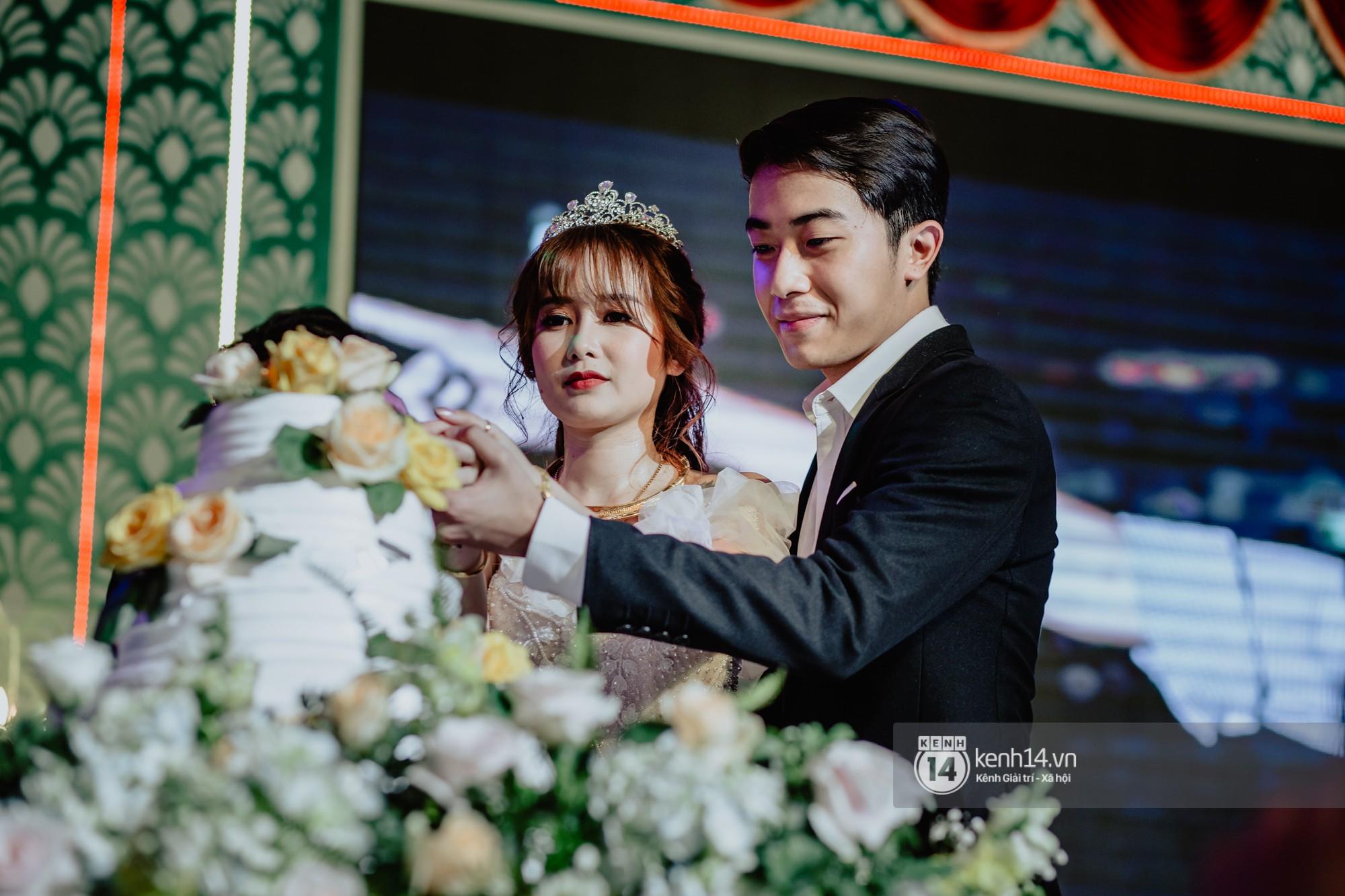 Xem hết một lượt những khoảnh khắc đẹp lịm tim của Cris Phan và Mai Quỳnh Anh: Cái kết đẹp của mối tình Chị ơi, anh yêu em! - Ảnh 10.