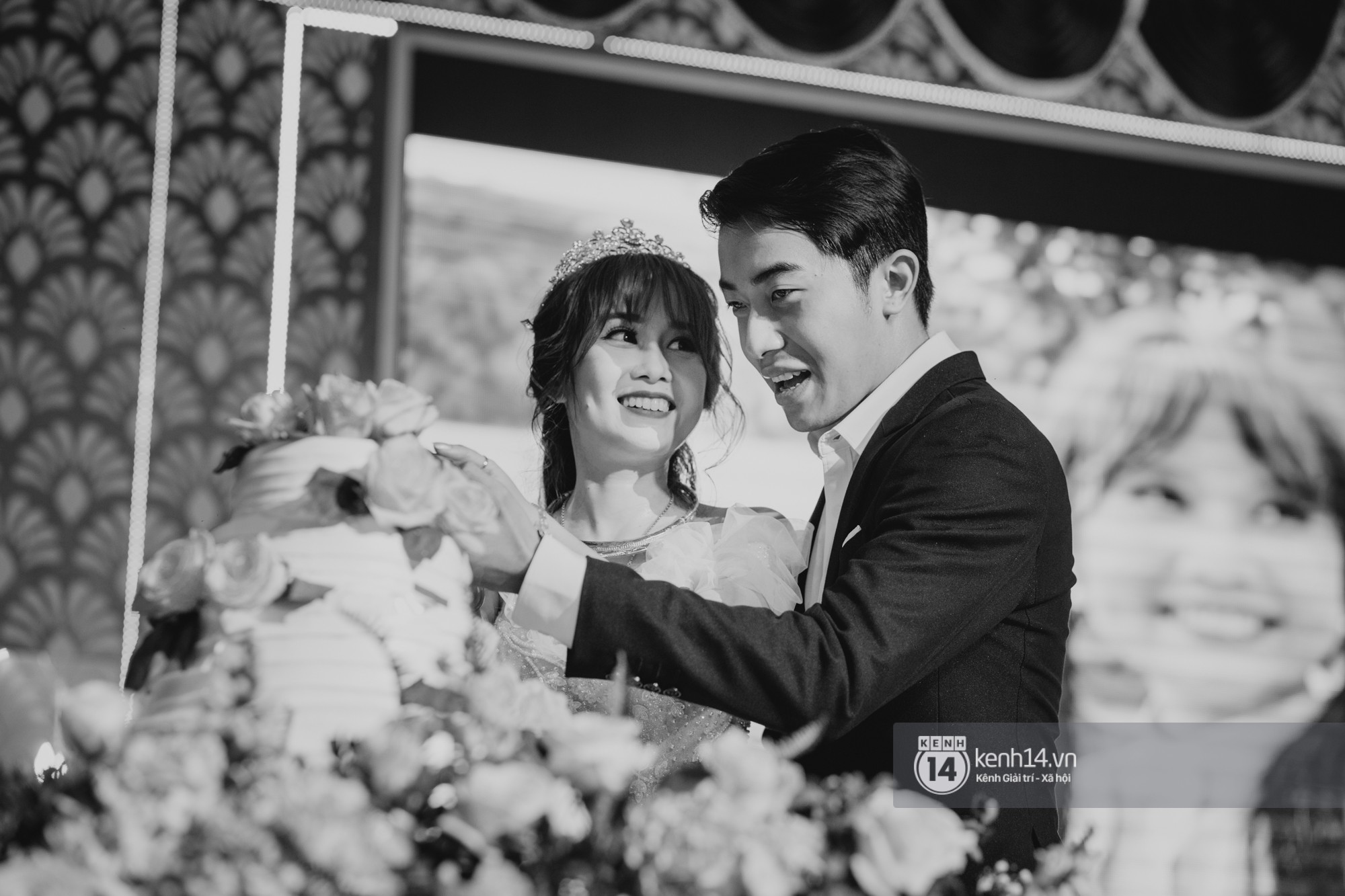 Xem hết một lượt những khoảnh khắc đẹp lịm tim của Cris Phan và Mai Quỳnh Anh: Cái kết đẹp của mối tình Chị ơi, anh yêu em! - Ảnh 11.