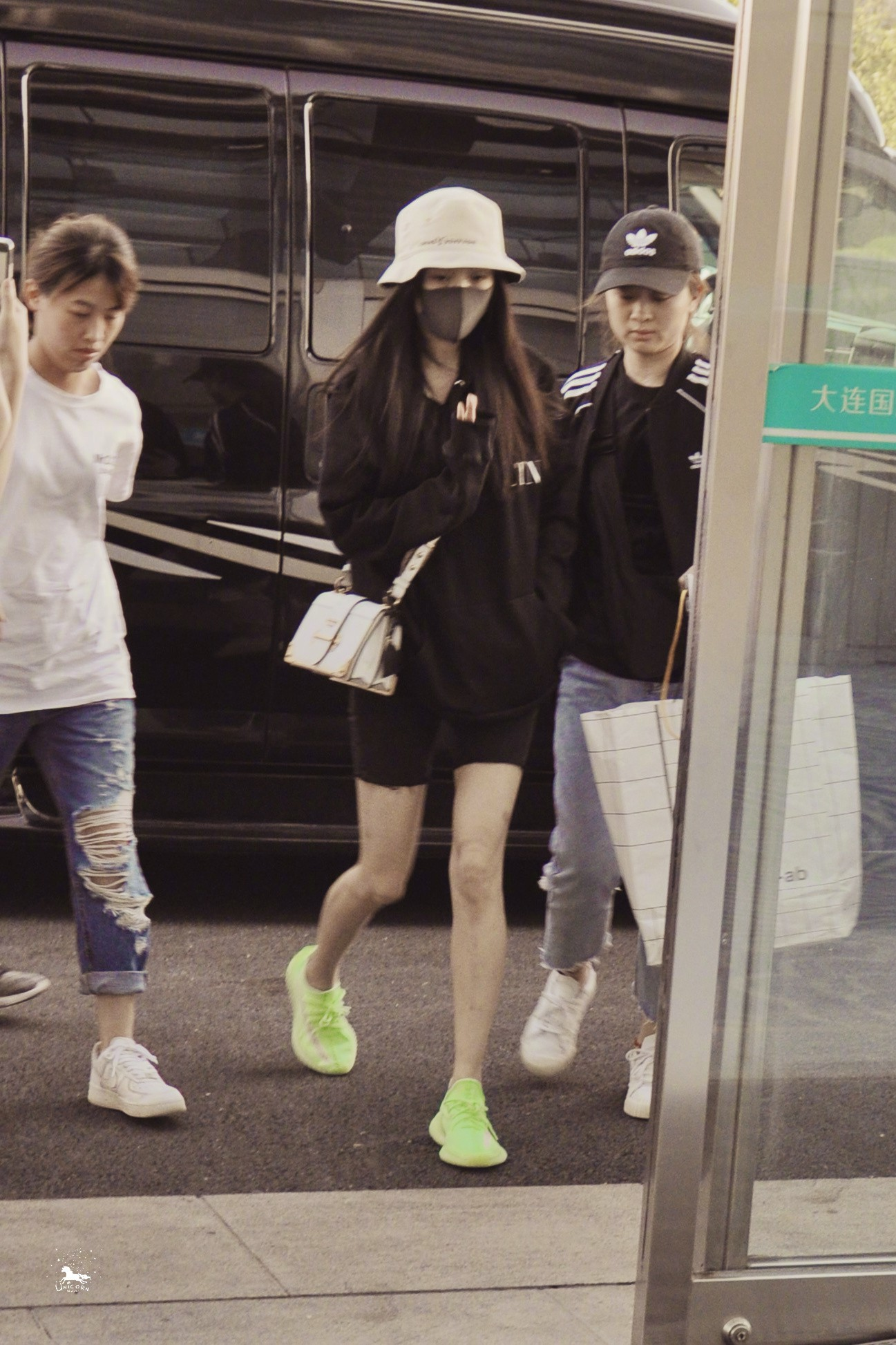 Cha của Lưu Khải Uy thừa nhận Dương Mịch đã tham dự sinh nhật con gái - Ảnh 1.