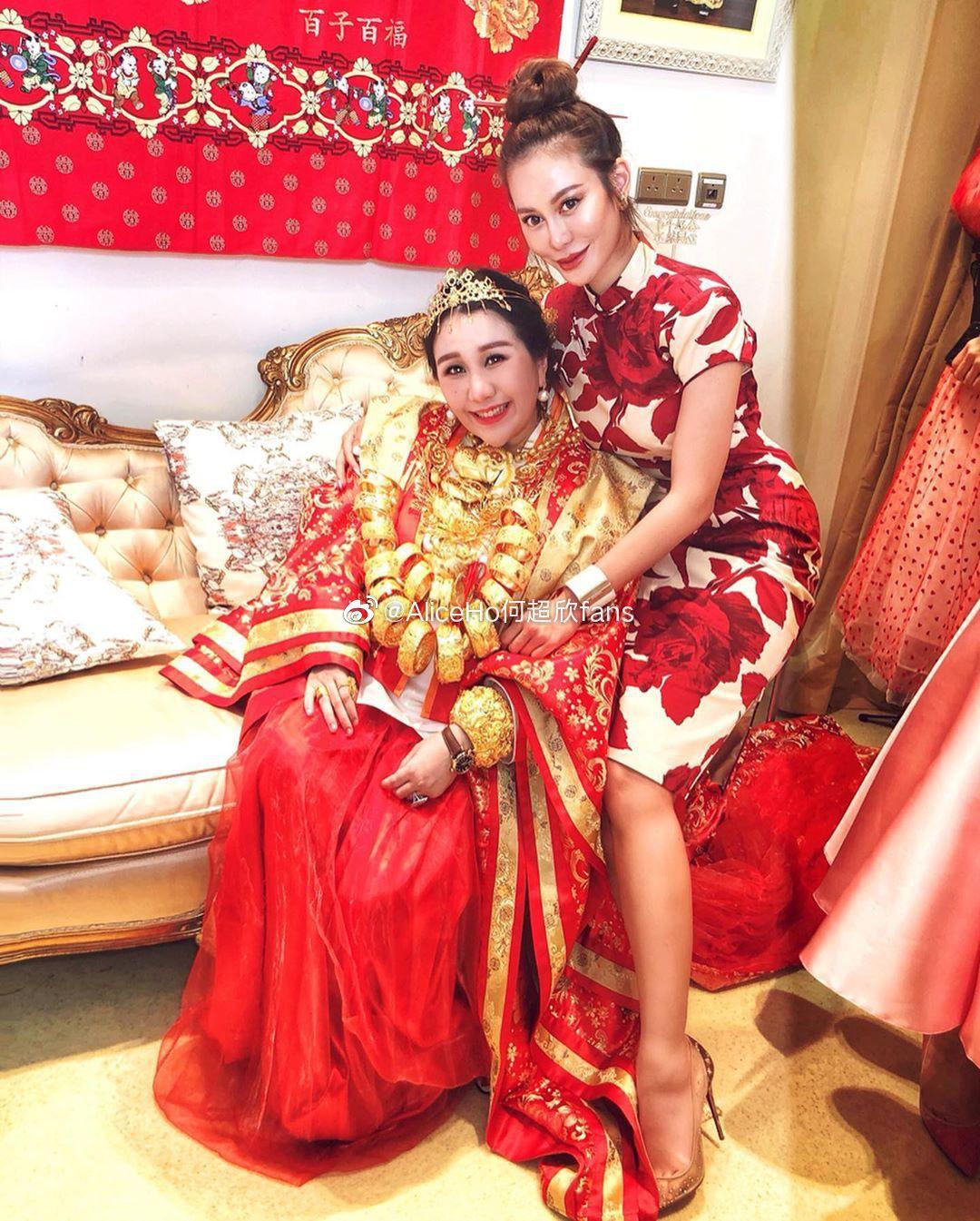 Sau lễ dạm ngõ trĩu cổ với vàng ròng, thiên kim sòng bạc Macau nặng nề với bụng bầu sinh đôi, lộ nhẫn kim cương khủng - Ảnh 8.